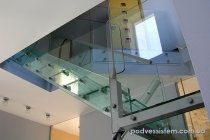 Эксклюзивная стеклянная лестница