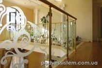 Ограждения из стекла для атриума