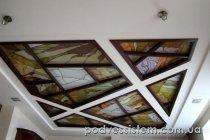 Гипсокартоновый потолок с витражем
