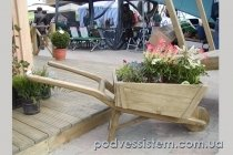 Декоративная деревянная тележка для сада