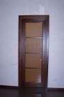 Деревянная межкомнатная дверь со стеклом